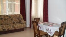 Напълно обзаведен и оборудван двустаен апартамент с изключително практична и удобна вътрешна планировка. Апартамента се състои от: коридор, хол...