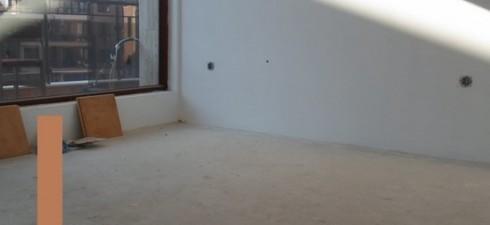 """Апартамента се продава в степен на завършеност """"до ключ"""", с монтиран един климатик и напълно оборудвана баня. на този етап..."""