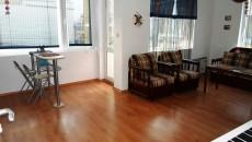 Много светъл и просторен двустаен апартамент, в жилищна сграда разположена в централната част на стария град и на 200 м...