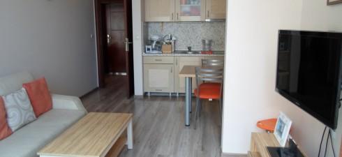 Луксозен двустаен апартамент с гледка море, който се намира в един от най-красивите комплекси в град Поморие, комплексът ,,Rose Garden,,...